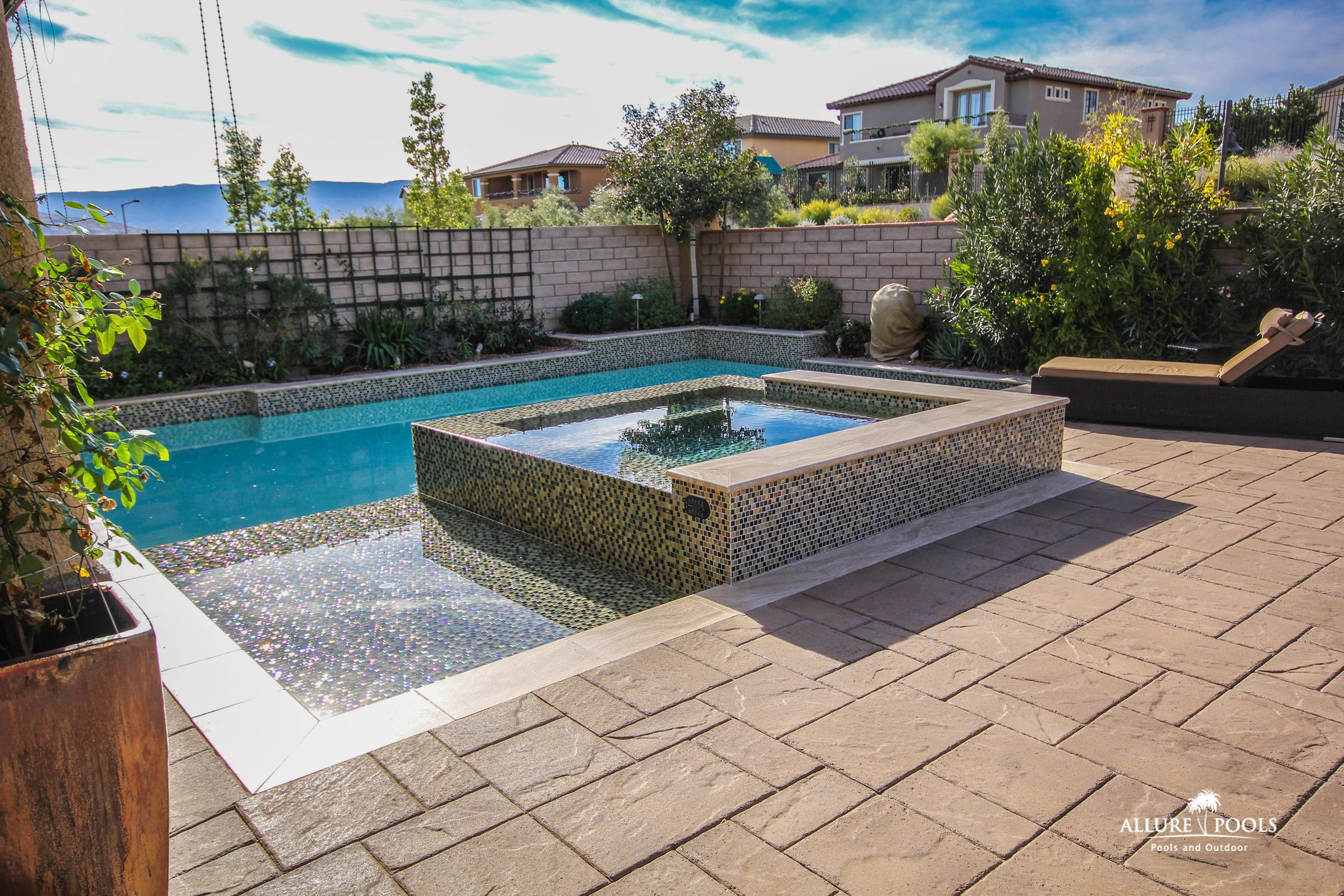 Custom Designed Inground Spas : Pool Builders : Inground Pools Las ...